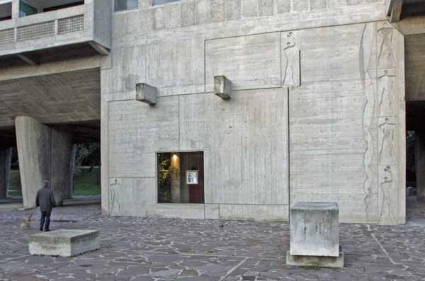 マルセイユのユニテ・ダビタシオンのファサード|モデュロール