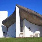 ロンシャンの礼拝堂(ノートル・ダム・デュ・オー礼拝堂)ル・コルビュジエ建築|フランス
