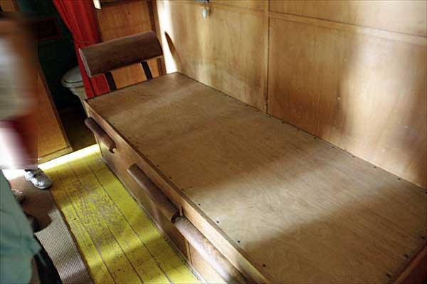 カップ・マルタンの休暇小屋の内部 | ル・コルビュジエ建築 | フランス