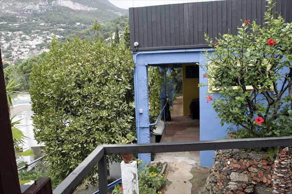 ヒトデ軒のテラス(カップ・マルタンの休暇小屋) | ル・コルビュジエ建築 | フランス