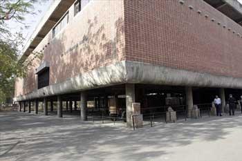 ル・コルビュジエ/サンスカル・ケンドラ美術館(アフマダバード・インド)
