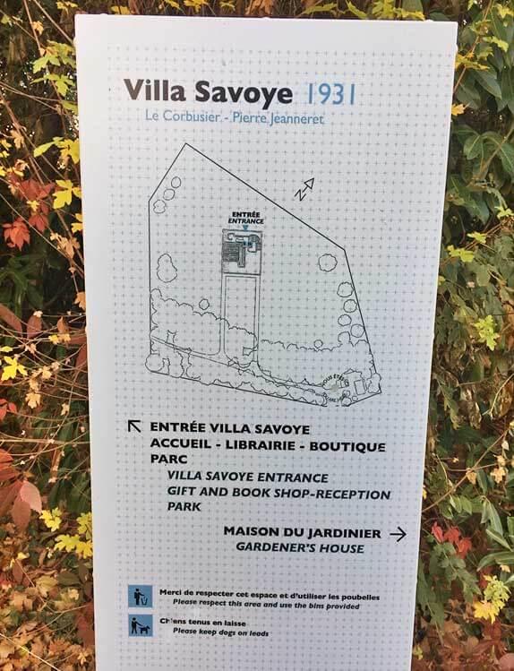 サヴォア邸・看板|ル・コルビュジエ建築|フランス(パリ)